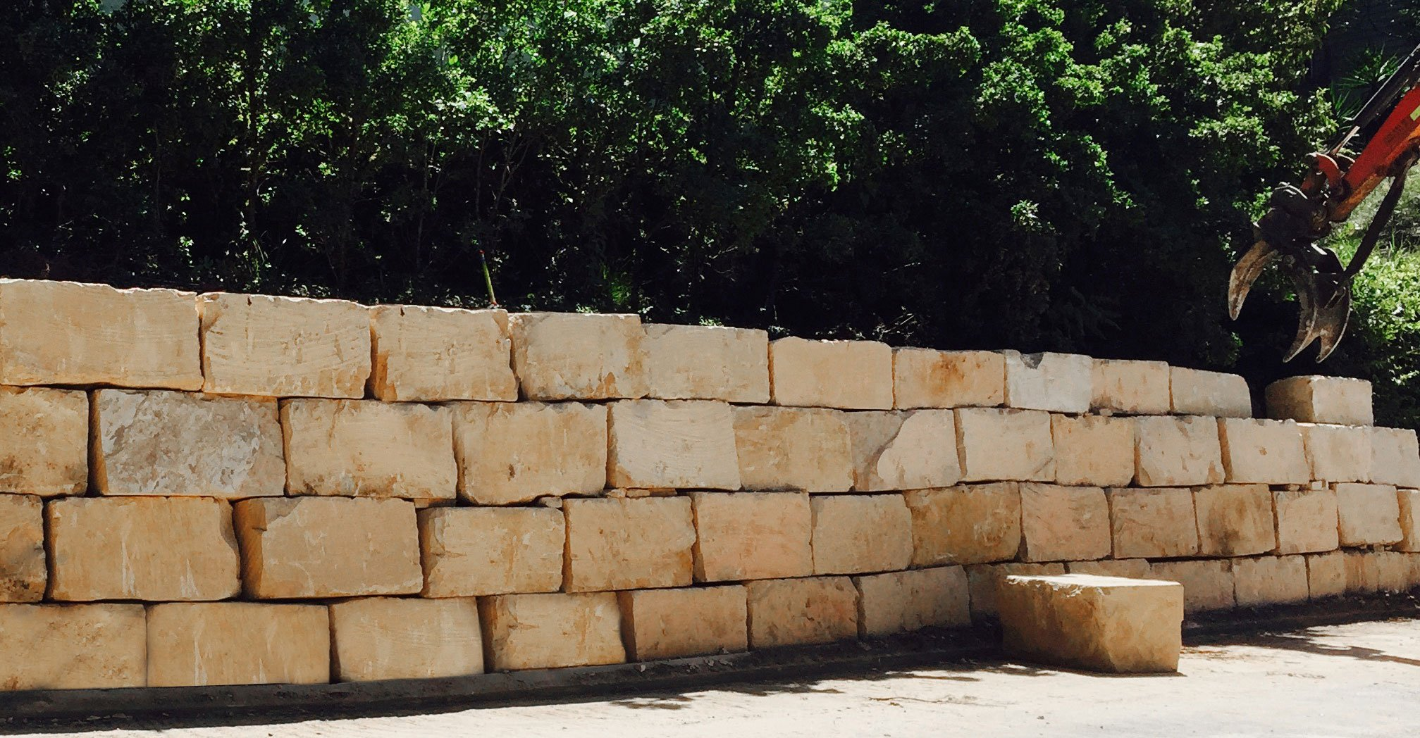 Things to remember when building a sandstone retaining wall